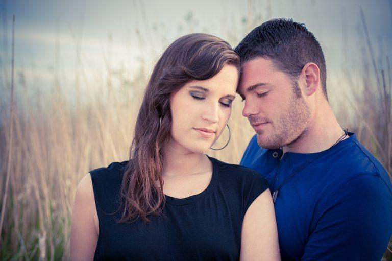 Davina und Tim im Gras